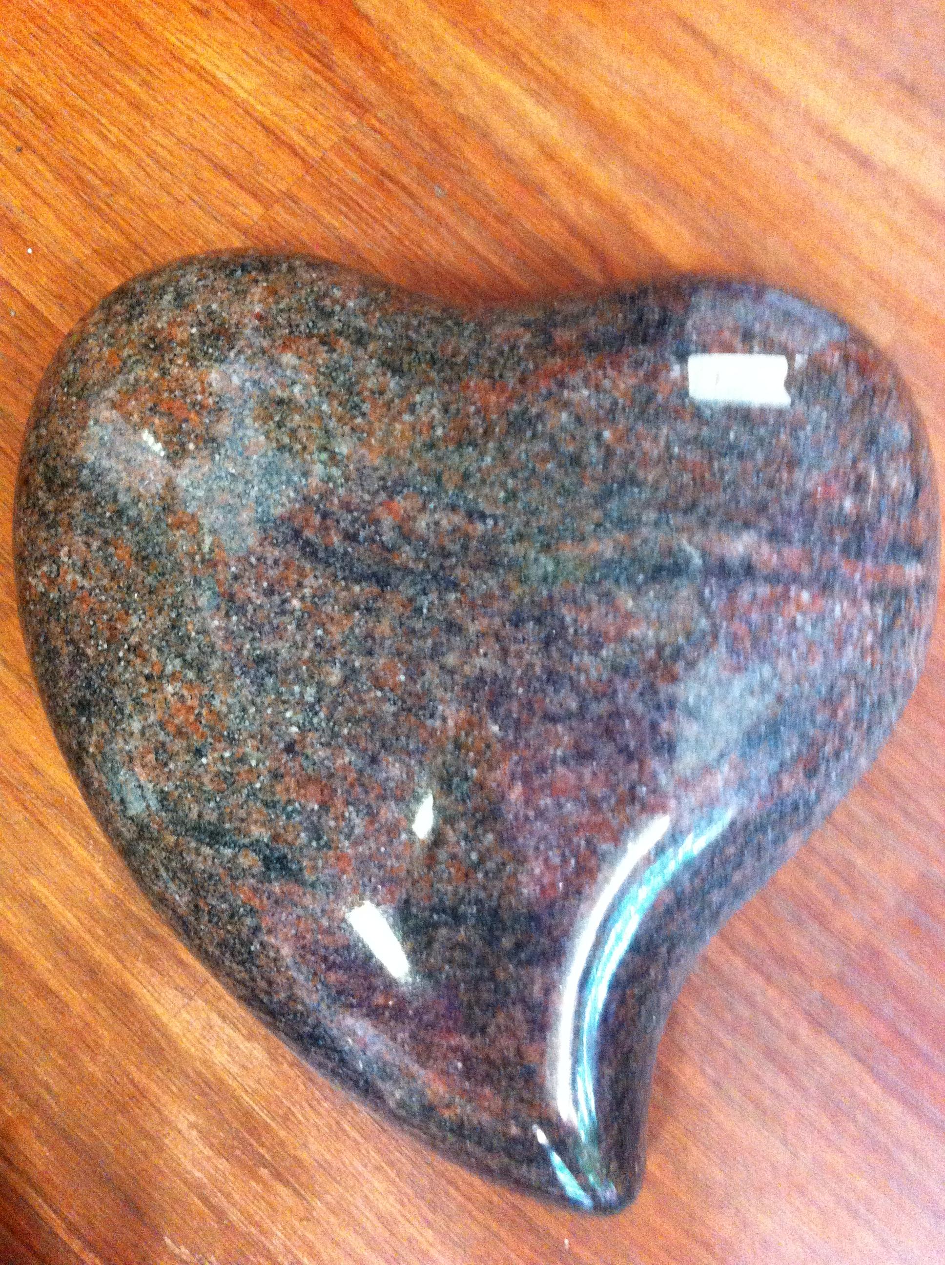 grand cœur  en granit à graver