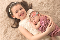sibling newborn baby pictures