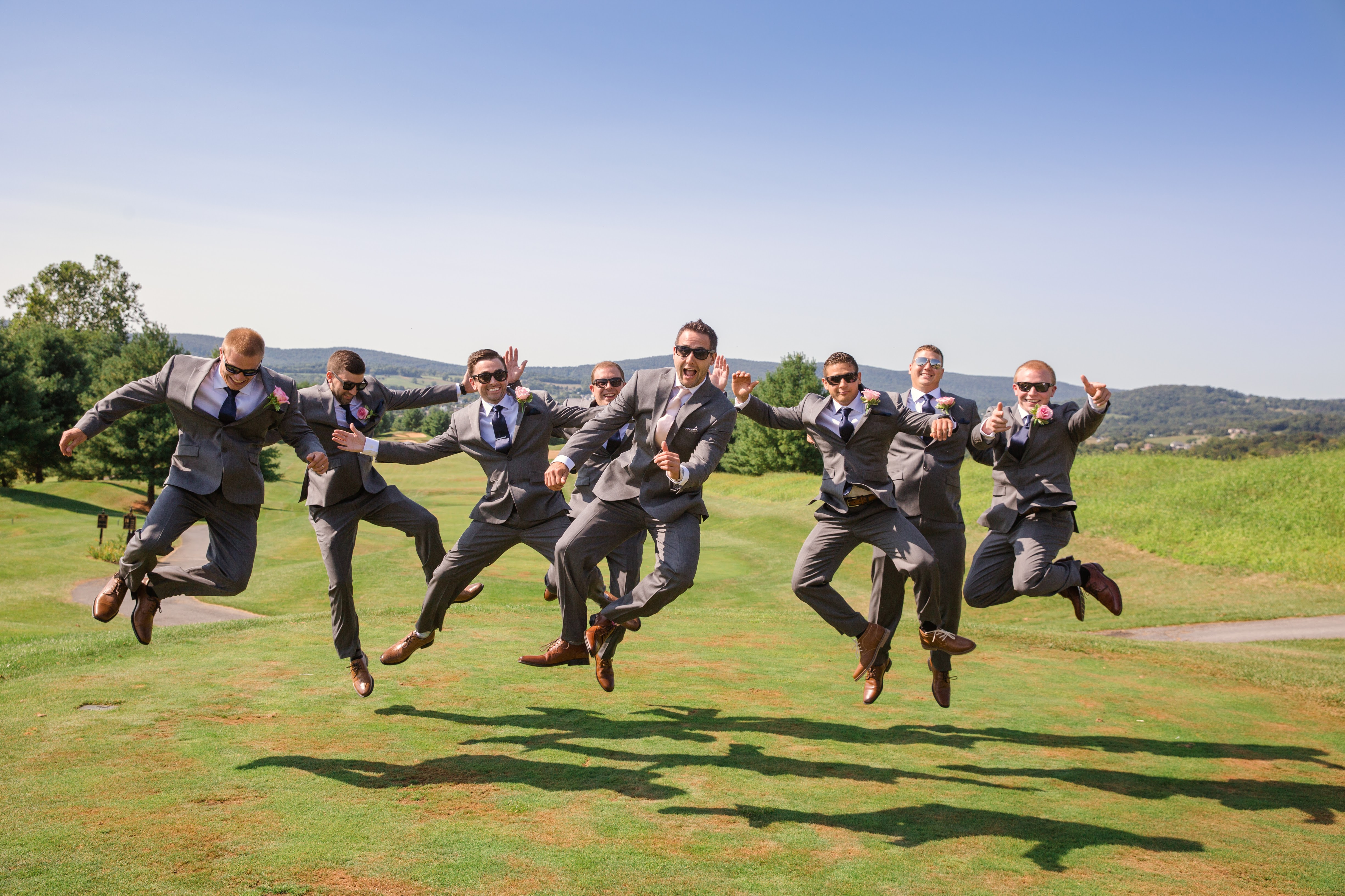 groomsman wedding pictures