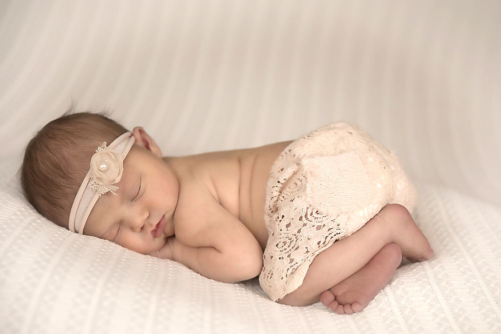Newborn baby pictures taken by Kerry Paradis Photography