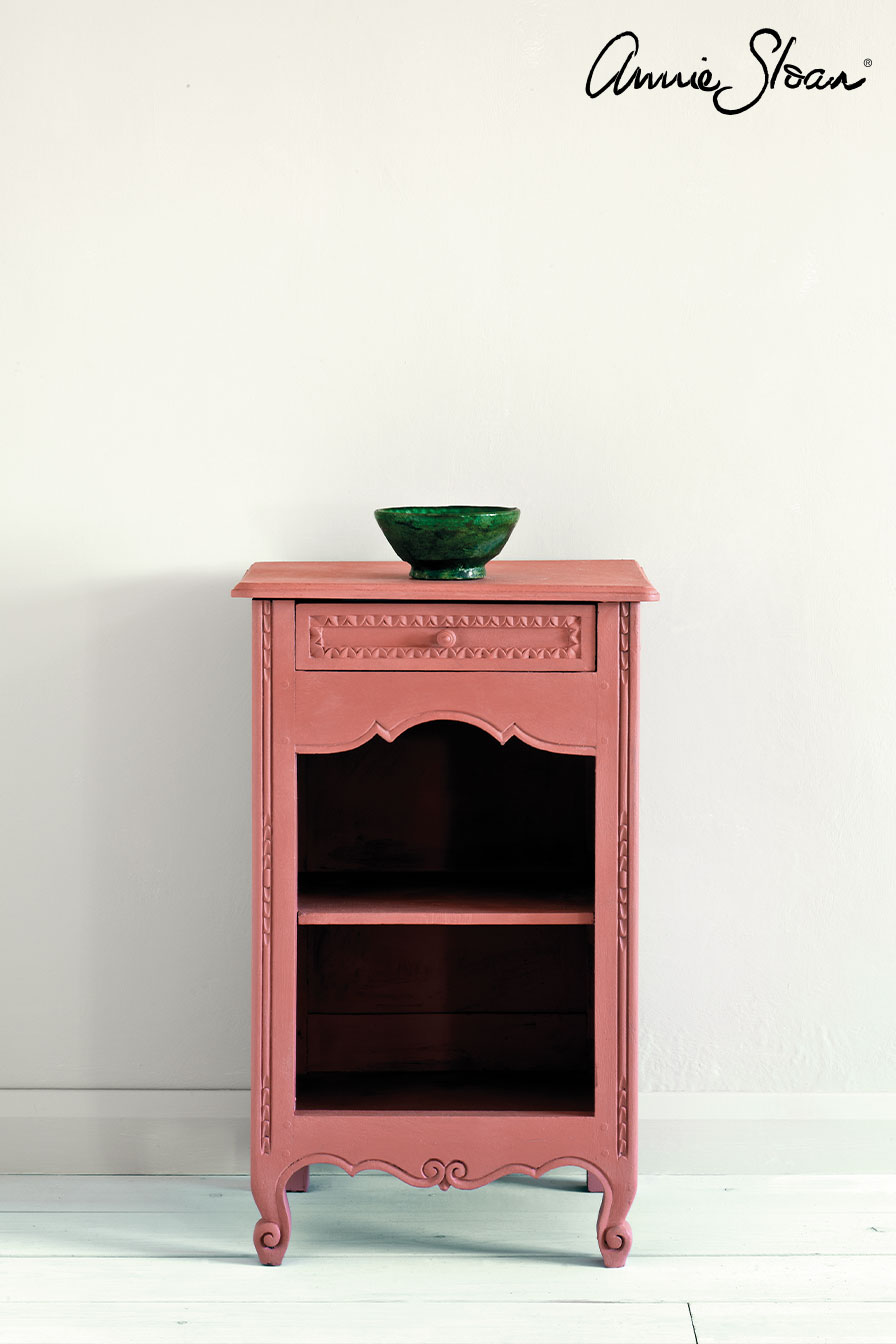 Scandinavian-Pink-side-table,-Tacit-in-F