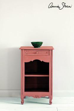 Scandinavian-Pink-side-table,-Tacit-in-F