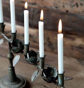 Alt Französischer Kerzenständer.png