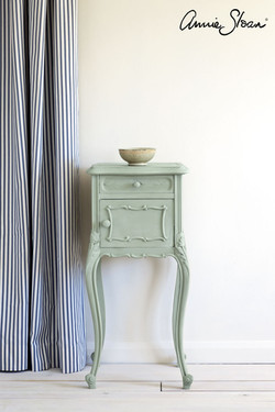 Svenska-Blue-side-table,-Ticking-in-Old-