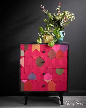 Modern-Geometric-Hexagon-Capri-Pink-ches