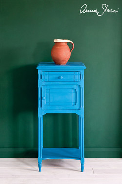 Giverny-side-table,-Amsterdam-Green-Wall
