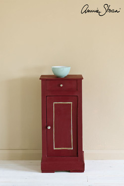 Burgundy-side-table,-Piano-in-Olive-curt