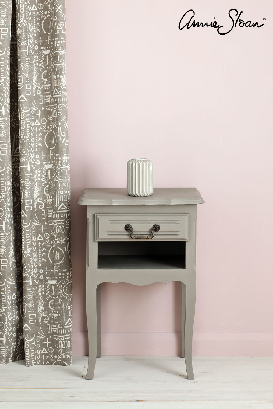French-Linen-side-table,-Antoinette-Wall