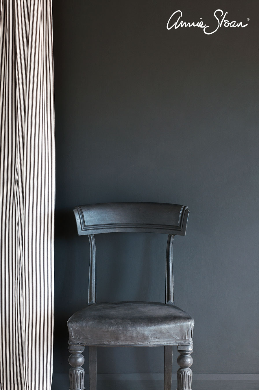 graphite-wall-paint-by-annie-sloan