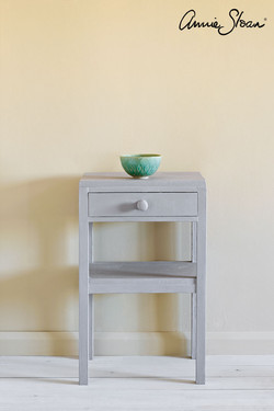 Paloma-side-table,-Piano-in-Provence-cur