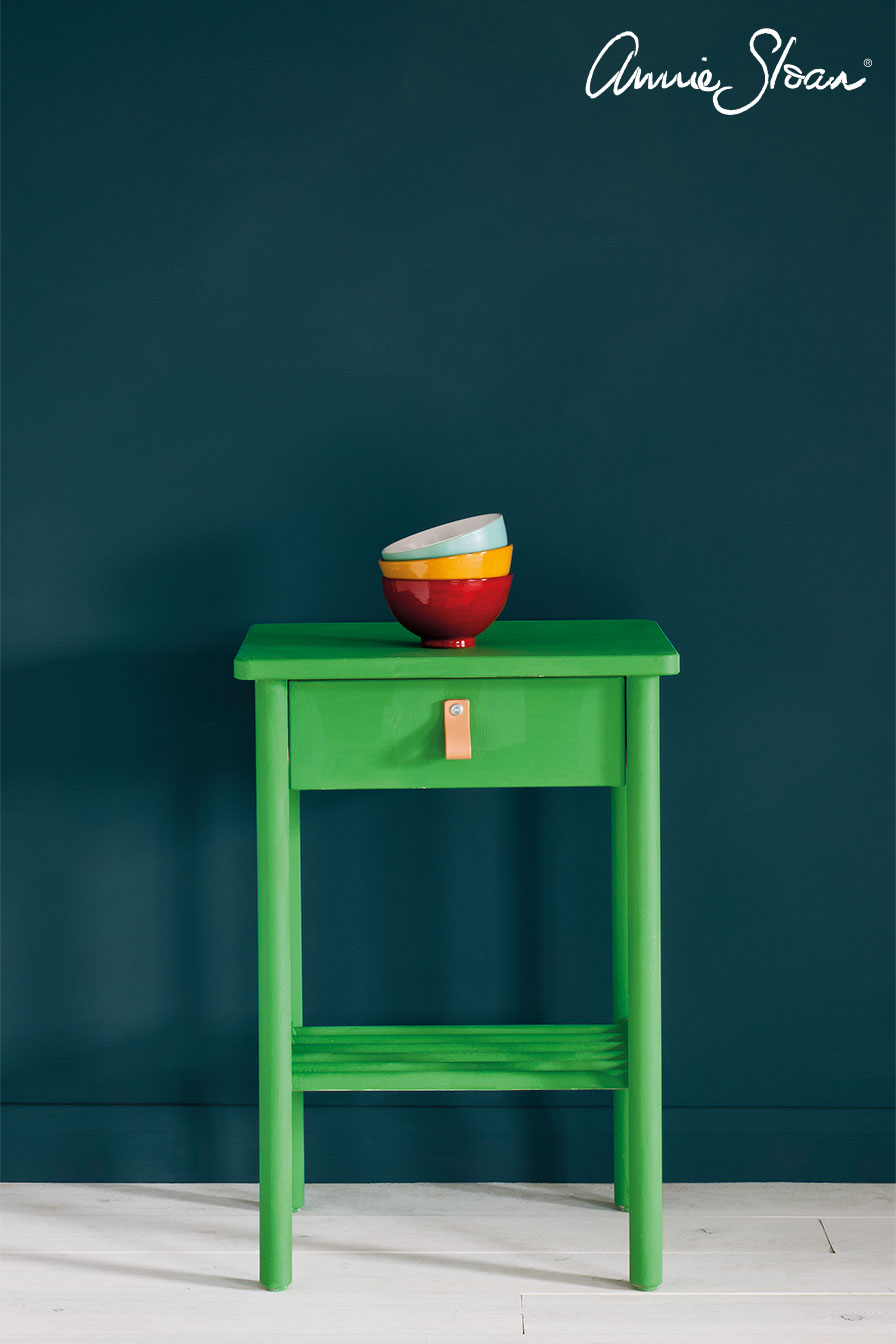Antibes-Green-Side-Table,-Ticking-in-Gra
