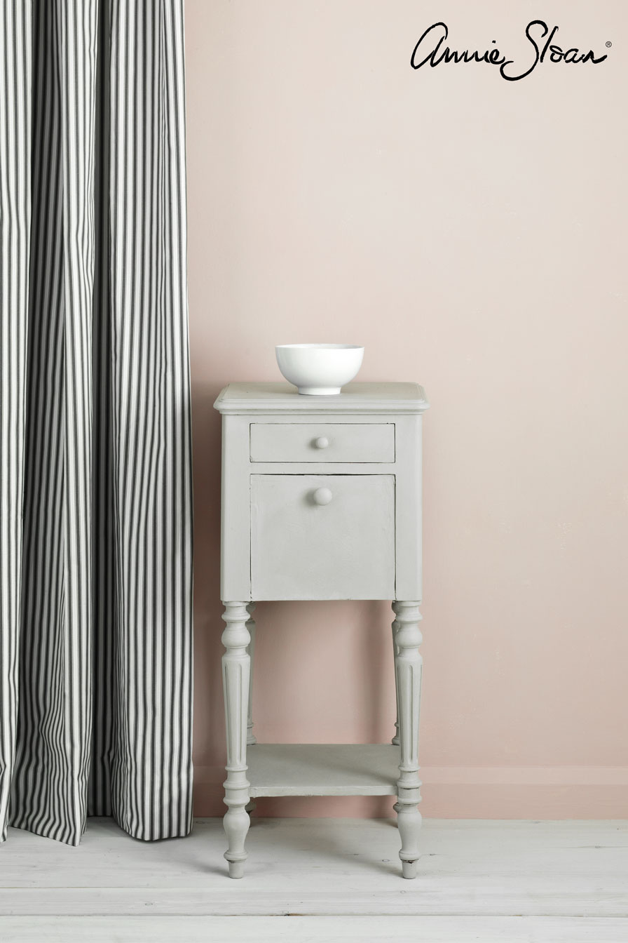 Chicago-Grey-side-table,-Ticking-in-Grap