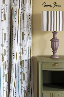 Olive-side-table,-Piano-in-Olive-curtain