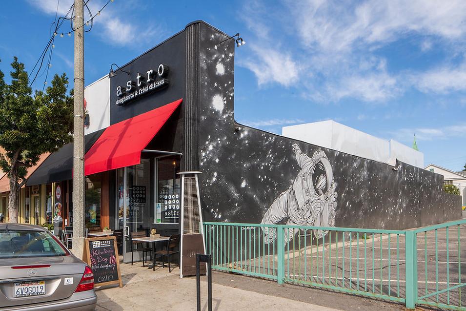 Astro Pub