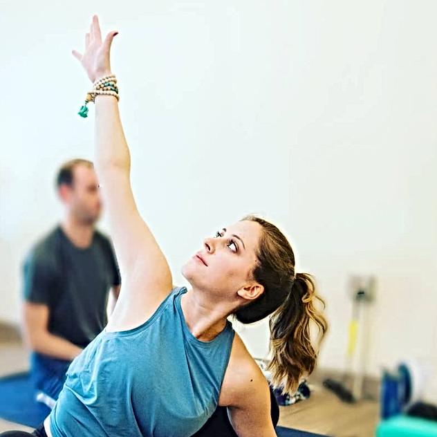 Om Lounge Yoga