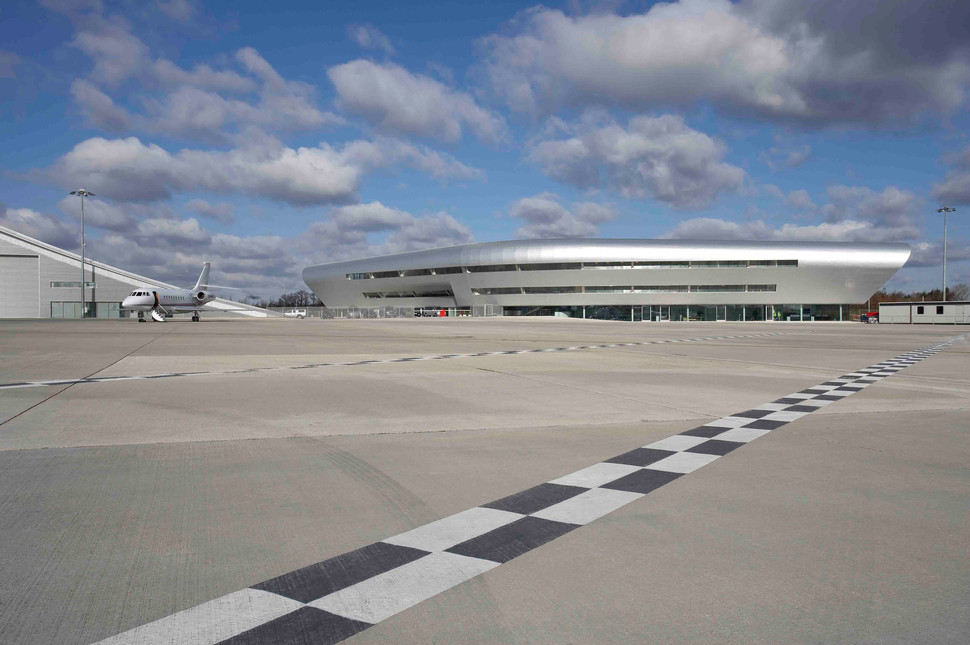 M3 Smart Motorway Provides Faster Link to TAG Farnborough Airport
