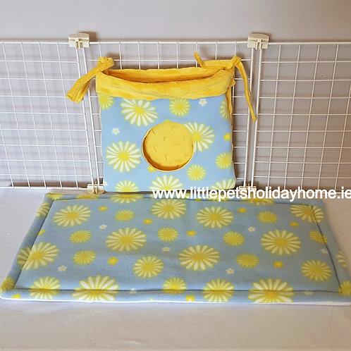 Set of 2 - Large pee pad & hay bag