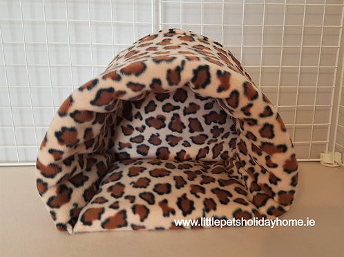 Large cuddle cup / hide out