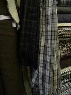 NEU 18 Tücher, Wollmischung Fr. 59.-- pro Tuch ca. 150x160 cm