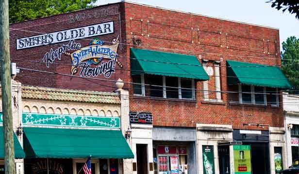 Smiths-Olde-Bar