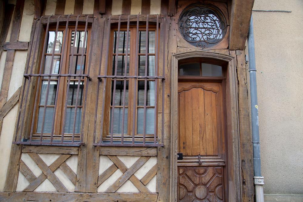 maison pans de bois troyes