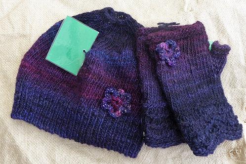Ponytail Hat & Fingerless Gloves