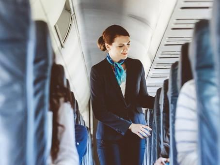 As 05 verdades sobre a profissão de comissário(a) de voo que não te contaram!