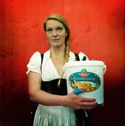 Sara van der Weck - Kellnerin
