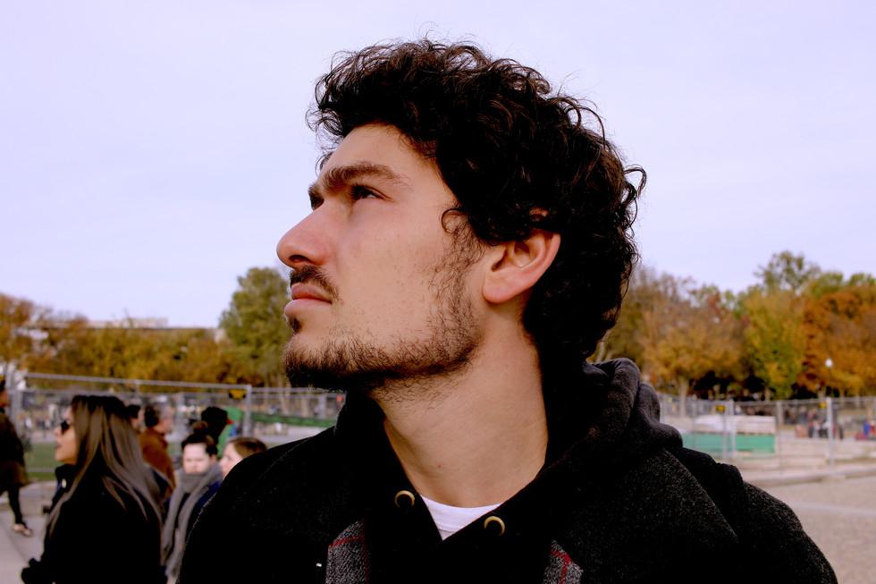 Jeremy Looks Up