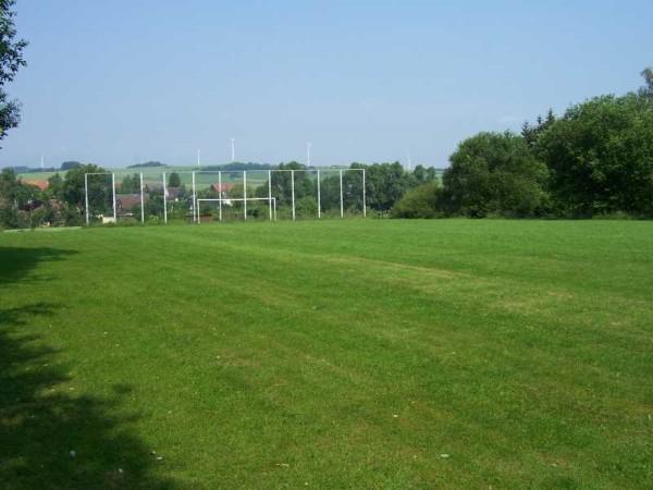 Sportplatz Blick Richtung Dorf