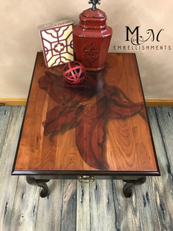 stain shaded lily table