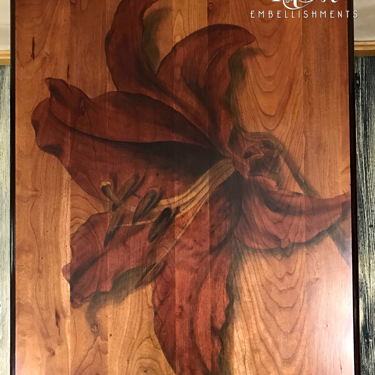 red stained lily table