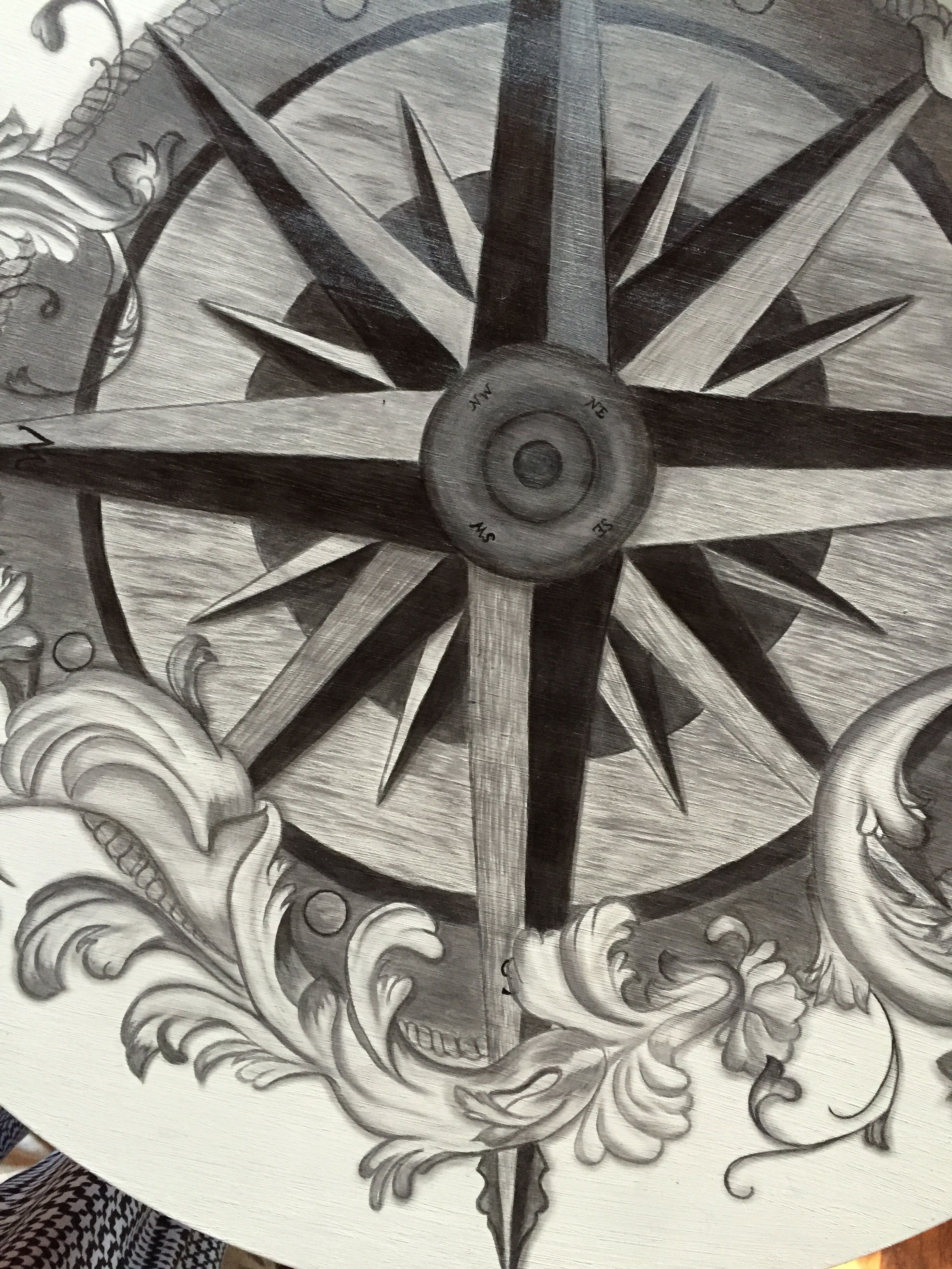 29 drum table compass rose detail