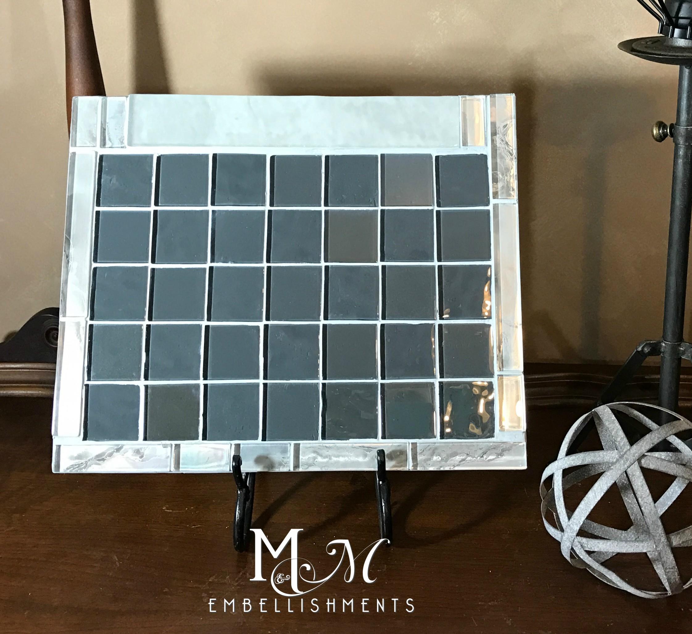 calendar17 gray glass tile1a