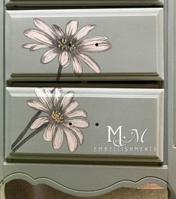 hand painted stained daisies