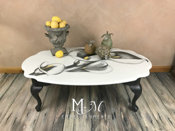 stain shading calla lily table