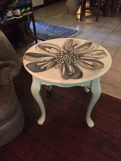 11 Queen Ann Table, Magnolia 1