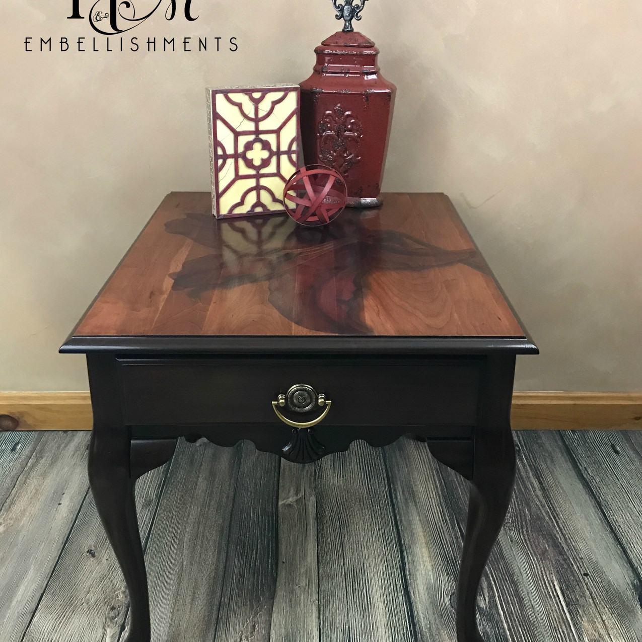 stained lily table