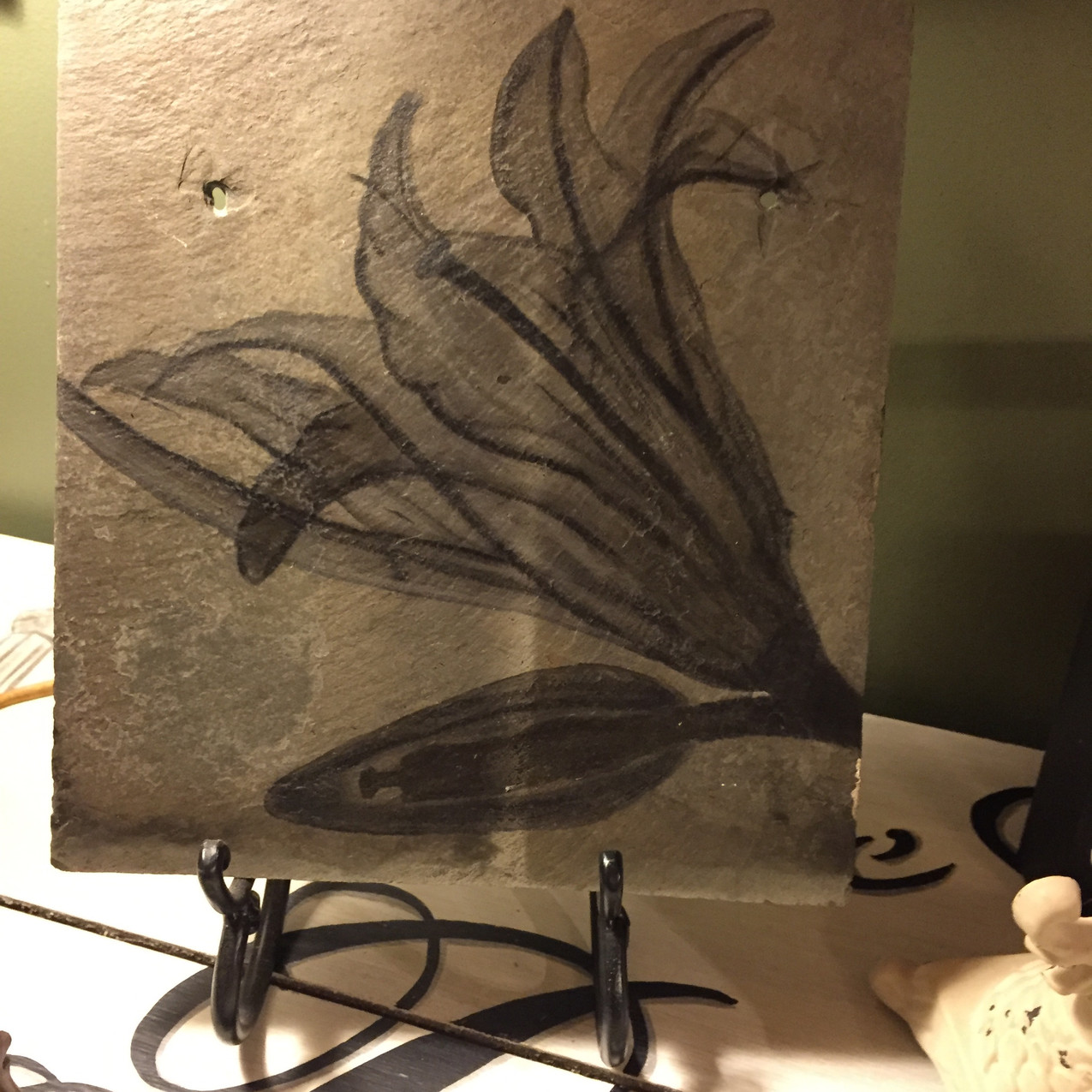 Lily X ray art on tile