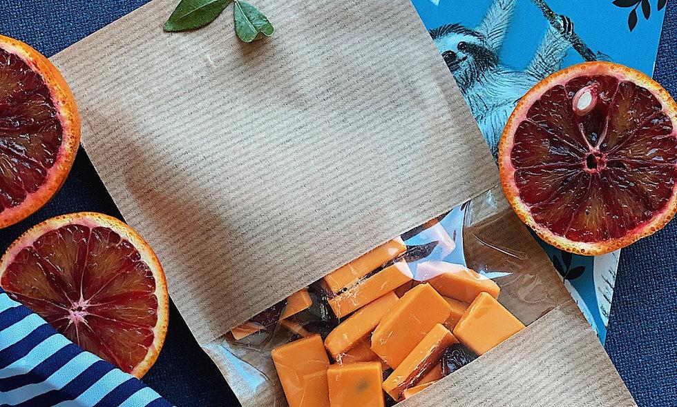 Апельсиновый шоколад с клюквой