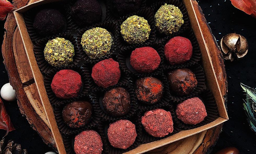 Набор из 20 конфет ручной работы