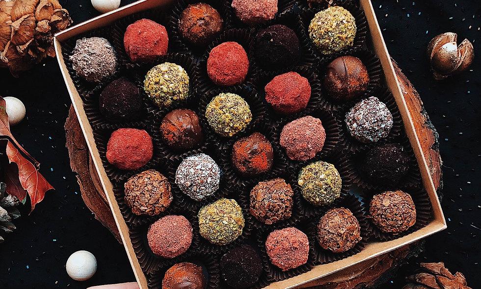 Набор из 30 конфет ручной работы