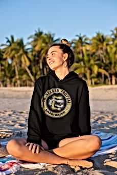 hoodie-mockup-of-a-smiling-girl-sitting-
