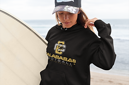 pullover-hoodie-mockup-of-a-surfer-woman