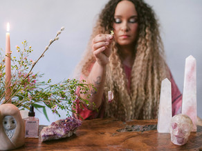 Talking with spirits with The Spirit Guide Coach Aja Daashuur