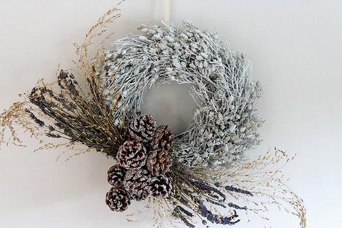 Everlasting White 'Waxed' Thyme Wreath (25cm)