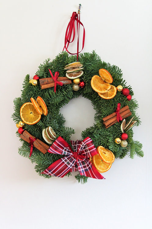 Traditional Christmas Wreath (30cm)