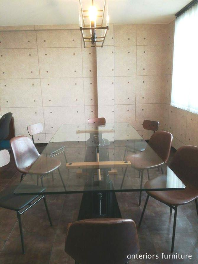 奈良にあるF法人様のオフィスにガラステーブルと椅子をセレクトし納品させていただきました!