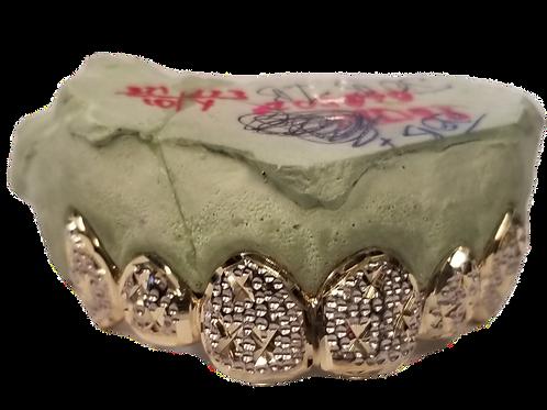 Gold Caps With Trillon Cuts