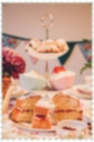 Vintage Cup and Cakes cakes
